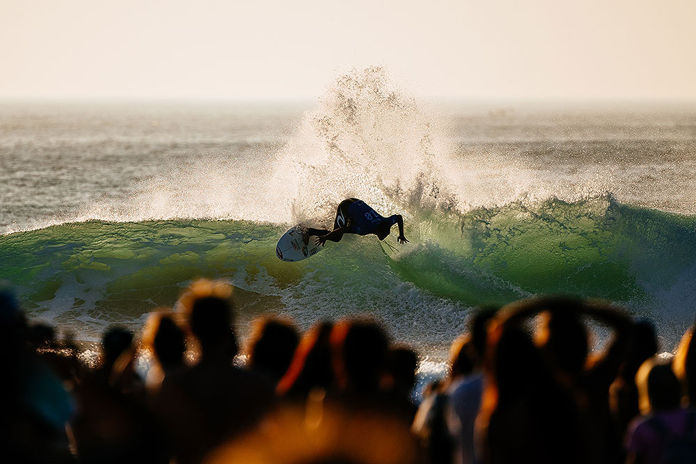 Gabriel Medina's Surf always impersonate the crowd