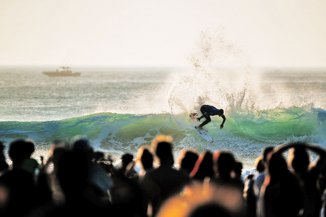 Gabriel Medina gets everything from every wave