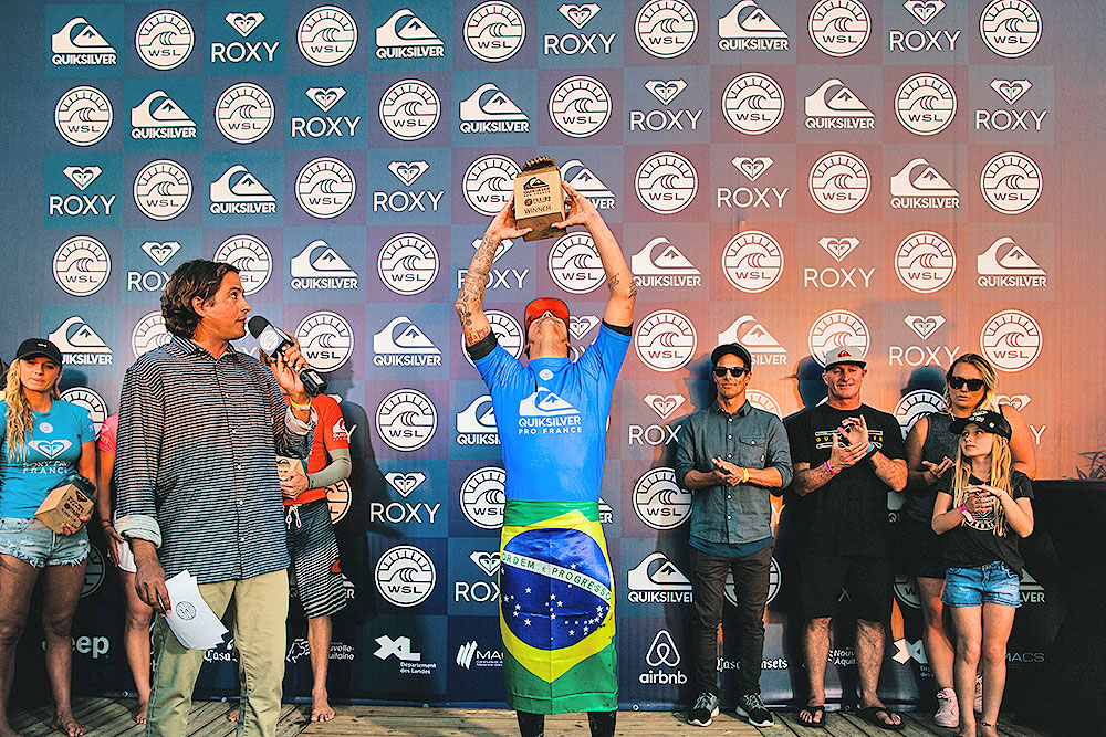 Gabriel Medina Recifes his trophy at the Quiksilver Pro France