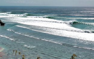 the world-class wave of Uluwatu