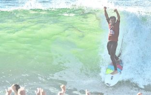 Jeremy Flores Winner at Quiksilver Pro France