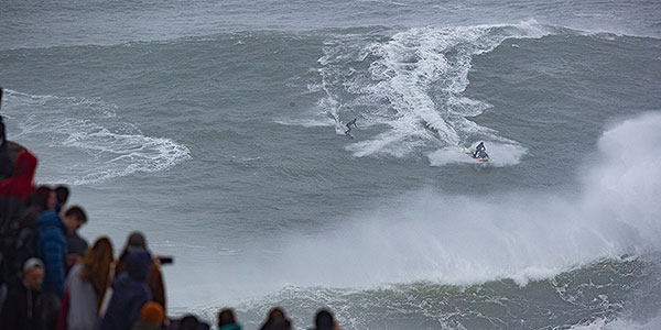 High-Performance at Nazaré